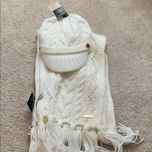 Cable knit hat and scarf set